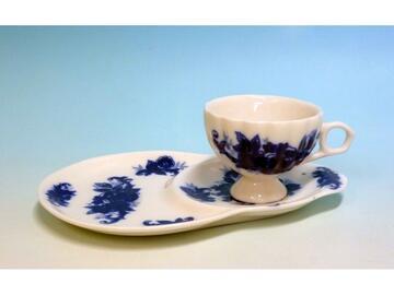 Tazzina da caffe con vassoio, in porcellana.
