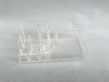 Portaoggetti trasparente piani multipli