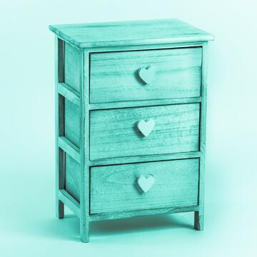 Cassettiera in legno con 3 cassetti e maniglia a forma di cuore.