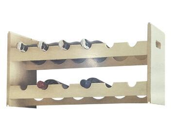 Cantinetta porta bottiglie impilabile in legno grezzo. Puoi trattare e personalizzare la struttura a tuo piacimento.