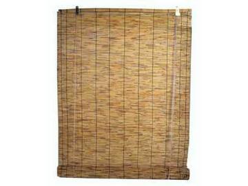 Tapparella in canniccio naturale disponibile in due misure. Dotata di ganci da tendaggio e filo di cotone.