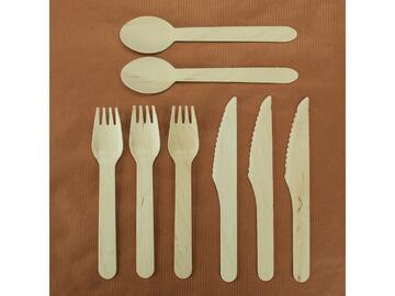 8 Posate creative in legno. 3 forchette, 3 coltelli e 2 cucchiai.