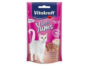 Cat yums pate fegato