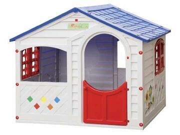 Casa giocattolo in plastica, ottime finiture e struttura solida.