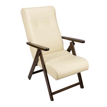 Comoda poltrona Ecopelle color panna, con struttura in legno, schienale e seduta imbottiti.